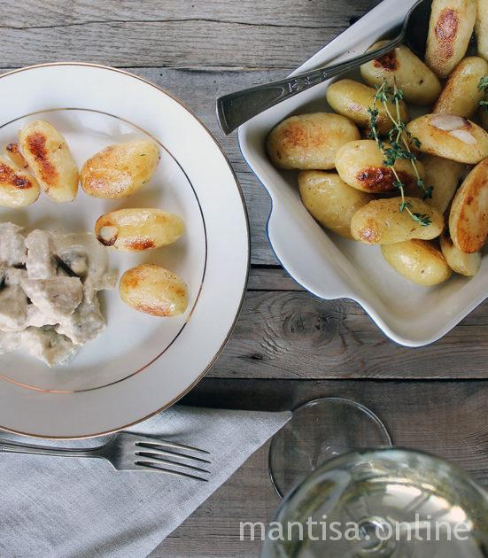 як приготувати молоду картоплю в духовці
